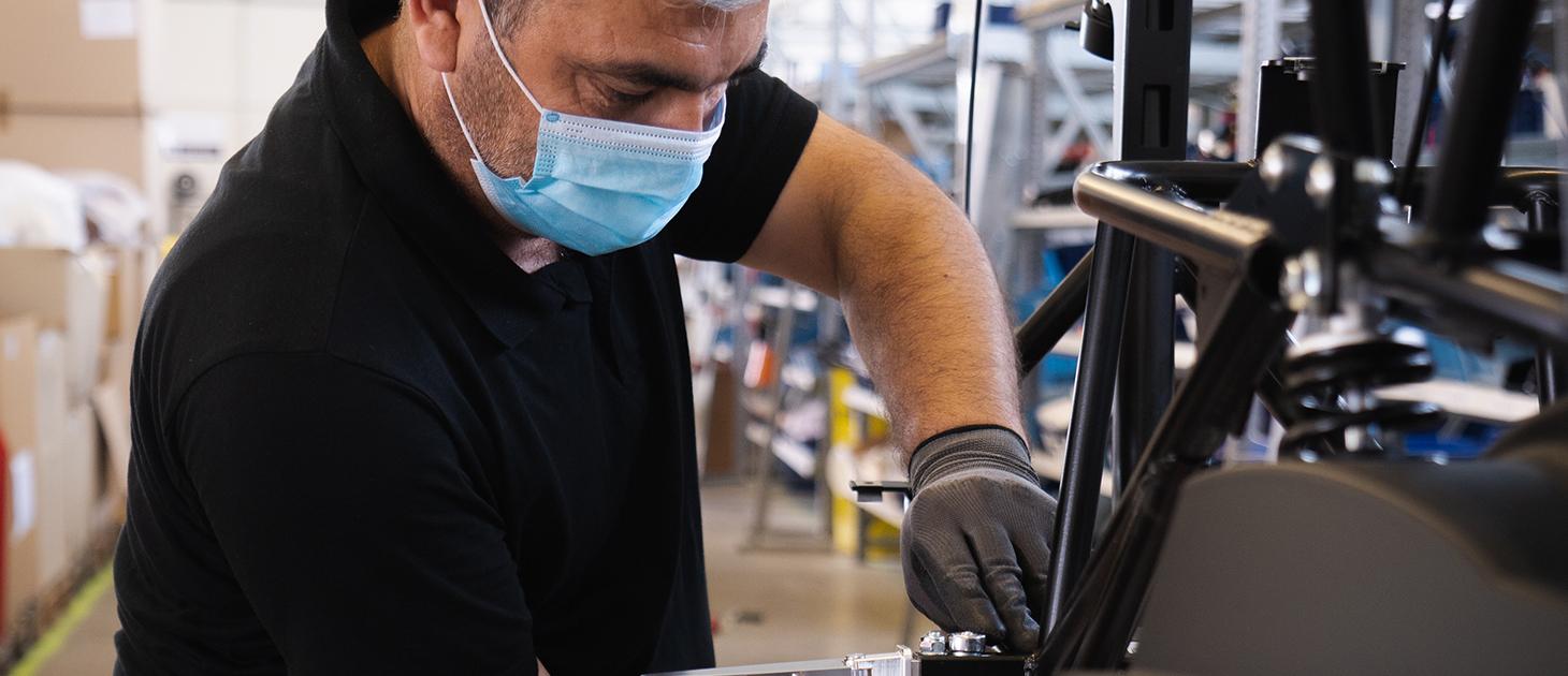 factory-manufacturing-mask-pandemic